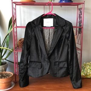 Cartonnier velvet blazer in black. Size small.